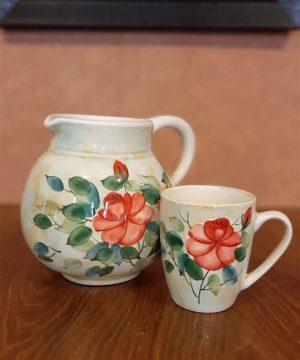 پارچ و لیوان گل سرخی
