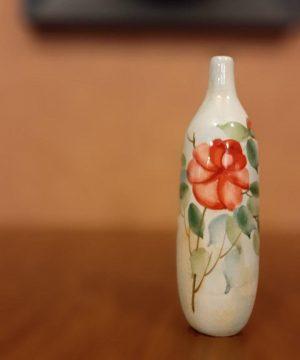 گلدان گل سرخی h1