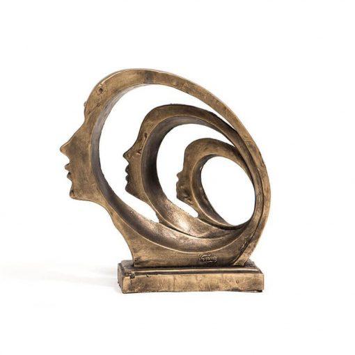 مجسمه سه رخ طلایی